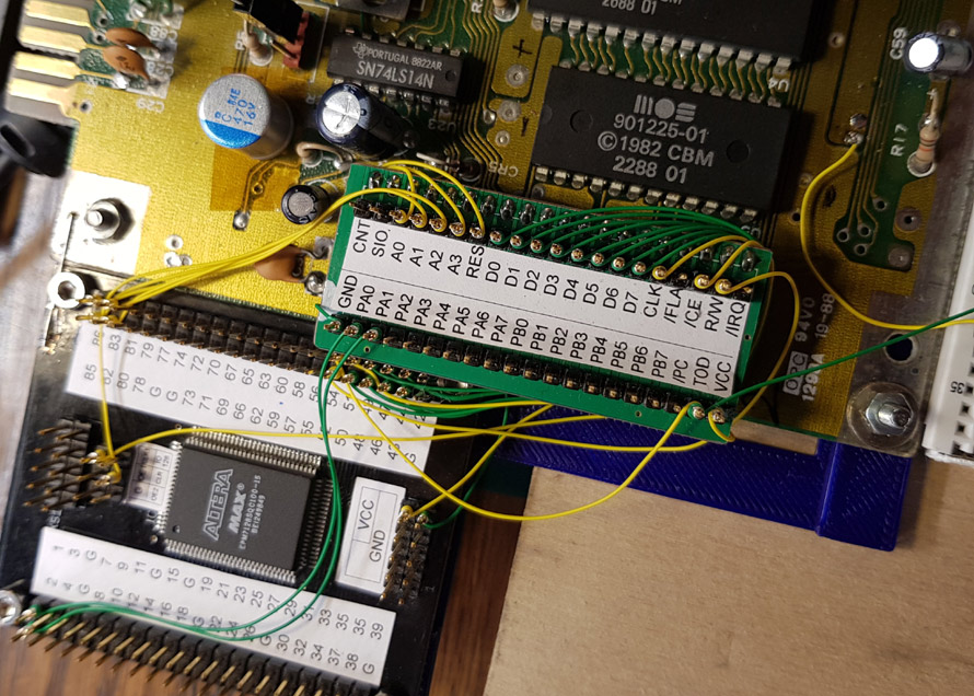 Other PIA MOS6526 connected to smaller CPLD MAX Altera